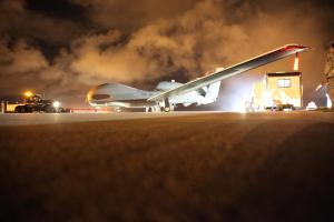 RQ-4 Global Hawk Preparing to Launch at Beale AFB(USAF Photo, TSgt Kenneth McCann)