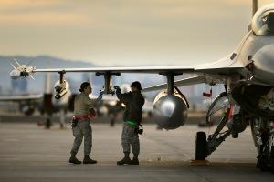 F-16 Post-Flight Inspection at RED FLAG 12-2(USAF Photo, MSgt Ben Bloker)